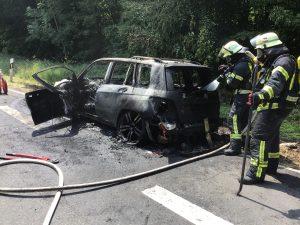 FreiwilligeFeuerwehrWiesbadenStadtmitte-Brand-PKW-17.07.2018